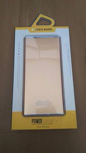 ☆allimity モバイルバッテリー 10000mAh 金色♪