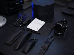 ★極美品★ Samsung Gear S2 classic 豪華おまけ付き