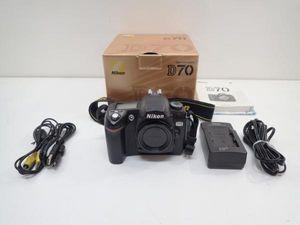 Nikon デジタル一眼レフカメラボディー D70 ♪ 4A674-2