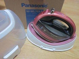 ◆パナソニック コードレススチームWヘッドアイロン ピンク NI-WL703-P◆中古