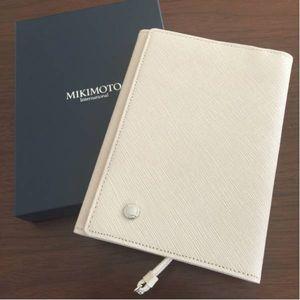 ミキモト 革製ブックカバー