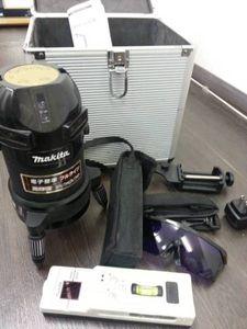 【送料無料】マキタ 屋内・屋外兼用墨出し器 高輝度 レーザー SK503PXZ  ...