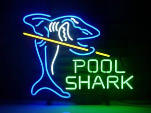 サメと文字のおしゃれなネオン